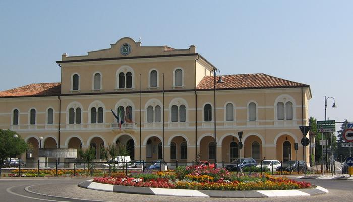 Appartamenti in Villa 8013
