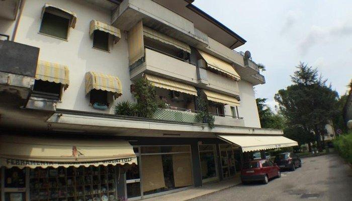 Appartamenti in Villa 8315
